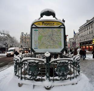 Nevadas provocan caos en el transporte de París