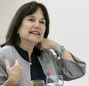 Minsal asegura que ministra Castillo ya renunció a millonario bono de retiro