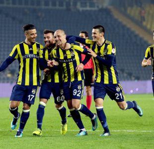 Fenerbahce de Isla avanza en Copa de Turquía y jugará derbi ante Besiktas de Medel