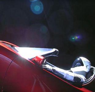 Elon Musk publica la última foto del Tesla rojo tras perder el rumbo a Marte