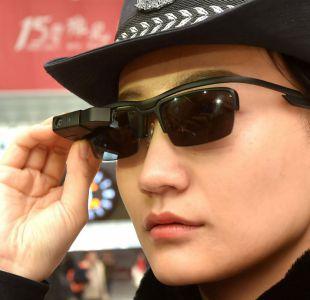 Así son las nuevas gafas con reconocimiento facial de la policía china para capturar sospechosos