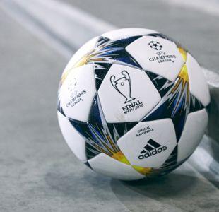 El balón con que Alexis y otras figuras disputarán los octavos de final de la Champions
