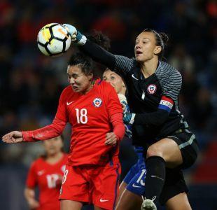 """Christiane Endler: """"En Chile no se le da la importancia que merece al fútbol femenino"""""""
