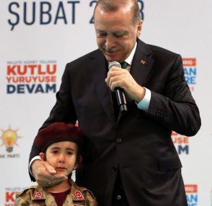 Fuerte crítica a Erdogan: Habló de martirio a una niña de seis años