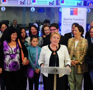 [VIDEO] La broma de Bachelet al mencionar el sitio web del Bono Marzo