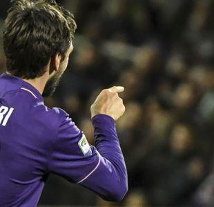 Fiorentina y Cagliari retiran el número 13 en memoria de Astori