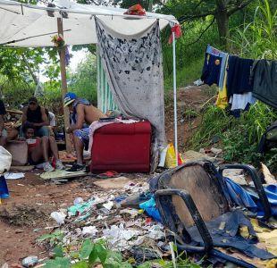 Las terribles condiciones en las que vive un grupo de personas sin hogar en cementerio de Sao Paulo