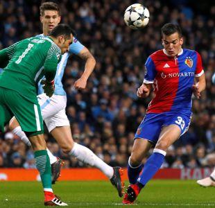 La lujosa jugada por la que Claudio Bravo se ganó una ovación en Champions League