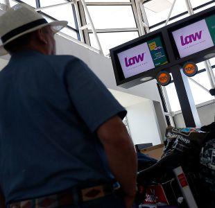 PDI realiza diligencias en oficinas de suspendida aerolínea Law