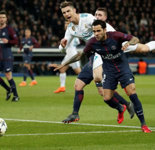 Dani Alves atribuye eliminación del PSG en Champions a falta de conexión en el equipo