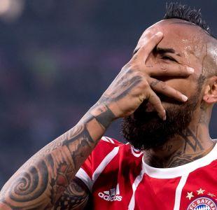Vidal se las ingenió para estar presente en el duelo del Bayern y ver el clásico de Colo Colo