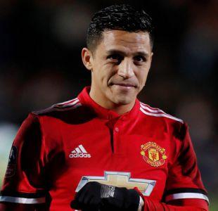 """Figura del United respalda a Alexis el mismo día que anuncia su retiro: """"Ama jugar"""""""