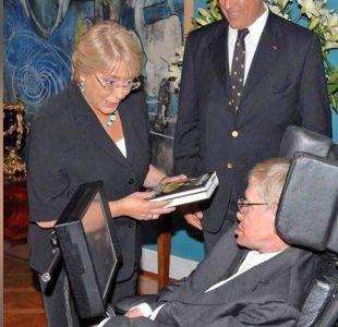 El primet tuit de la ciudadana Bachelet despide a Hawking