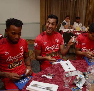 [FOTOS] La alegría de los jugadores peruanos al verse en el álbum de Rusia 2018