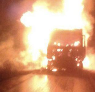 Encapuchados realizan nuevo ataque a camiones en La Araucanía