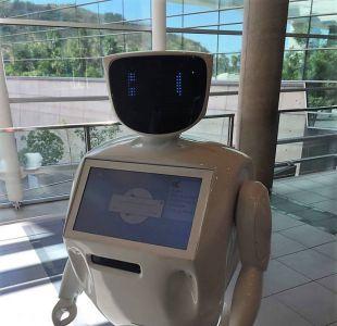 Vitacura suma a un robot como funcionario de la municipalidad