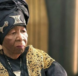 La abuela que comenzó a actuar a los 88 años y encontró la fama mundial con Pantera Negra