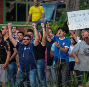 Lula termina en Curitiba una gira marcada por protestas, pedradas y balazos