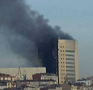 [VIDEO] Incendio obliga a evacuar por completo un hospital en Turquía