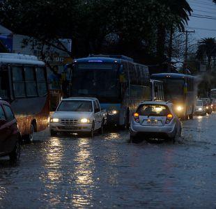 Dirección Meteorológica emite aviso por lluvias y vientos entre las regiones de O Higgins y Biobío