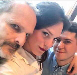 La divertida historia detrás de la foto de Daniela Vega con Miguel Bosé