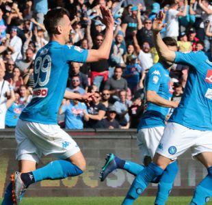 Napoli gana para seguir escoltando a Juventus, Inter cae y Milan empata en la Serie A