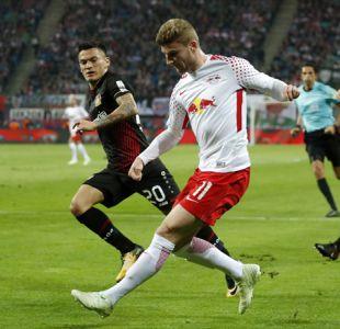 Aránguiz participa en goleada clave del Leverkusen que lo acerca a la Champions