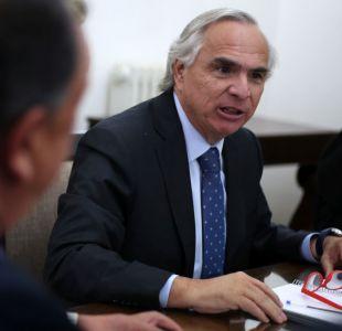 Chadwick defiende retiro de 405 decretos del gobierno pasado