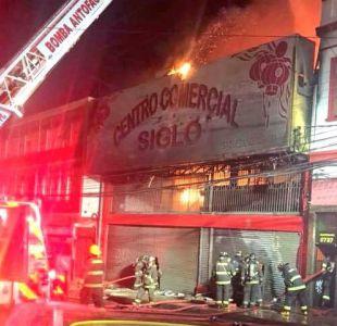 [VIDEO] Incendio afecta a locales comerciales en el centro de Antofagasta