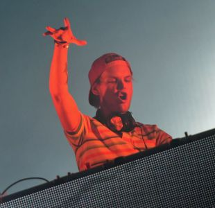 Filtran canción de Avicii junto al vocalista de Coldplay