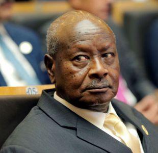 Presidente de Uganda quiere prohibir el sexo oral porque la boca es para comer