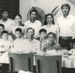 La odisea del fotógrafo Dick Swanson para rescatar a la familia de su esposa en la guerra de Vietnam