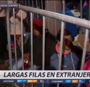 [VIDEO] Largas filas de inmigrantes marcan segundo día de regularización