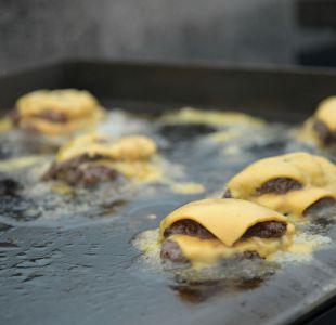 """Francia prohíbe denominar """"hamburguesas"""" o """"salchichas"""" a los alimentos de origen vegetal"""
