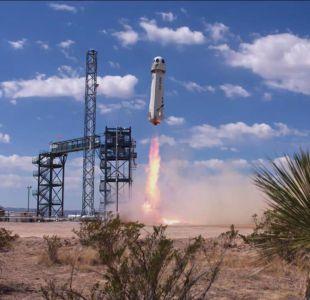 Empresa espacial de Jeff Bezos se equipara a SpaceX y trae de regreso cohete en descenso vertical