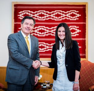 Ministro Ampuero se reúne con disidente cubana Rosa María Payá