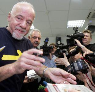 """Libros de Paulo Coelho seguirán el camino de """"Juego de tronos"""""""