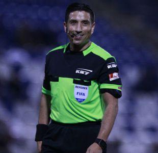 [VIDEO] Eduardo Gamboa vuelve a arbitrar tras grave error en la final de Segunda División
