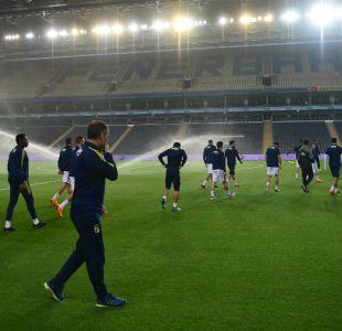 [VIDEO] Besiktas de Medel no se presenta ante Fenerbahçe en protesta por la violencia