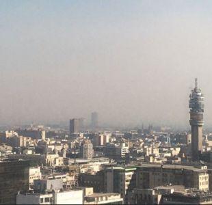 Incendio forestal provocó gran humareda sobre Santiago