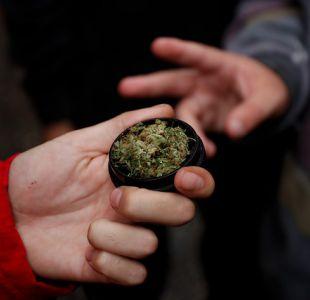 Una madre con sus hijos de 5 y 9 años se intoxicaron tras consumir un queque de marihuana