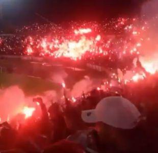 [VIDEO] Casi incendian el estadio: el desatado festejo de hinchas de club de Argelia