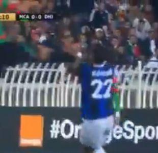 [VIDEO] Brutal patada en Liga de Campeones de la CAF desplaza entrada de De Jong a Xabi Alonso