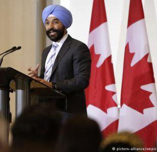 EEUU: ministro canadiense retenido por usar turbante