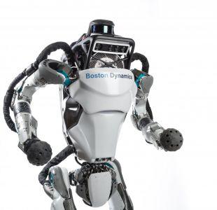 [VIDEO] ¿Terminator?: Así luce Atlas, el impresionante robot que corre y salta obstáculos