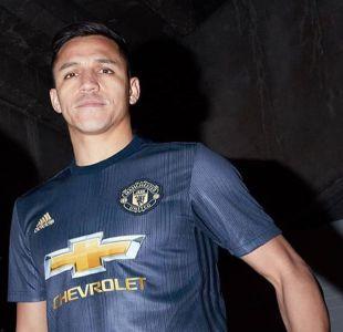 [VIDEO] Alexis protagoniza presentación de nueva camiseta del Manchester United