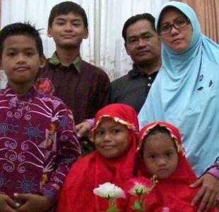 Explosiones en Indonesia: los padres que llevan a sus hijos a morir en ataques suicidas