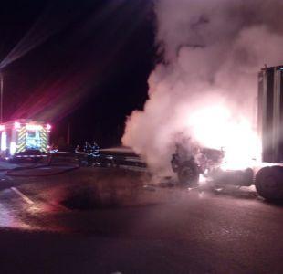 Investigan atentado incendiario contra camiones en provincia de Arauco