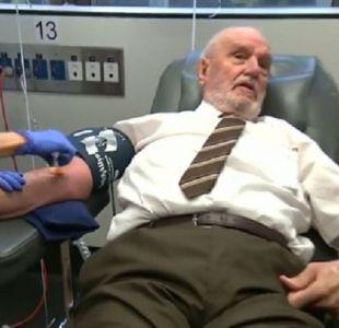 [VIDEO] Así fue la última donación de sangre del hombre brazo de oro