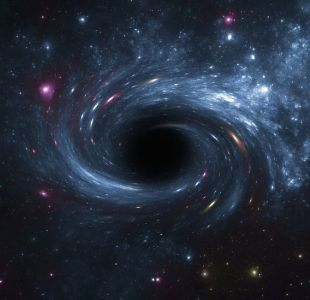 El monstruoso agujero negro que se traga un sol cada dos días
